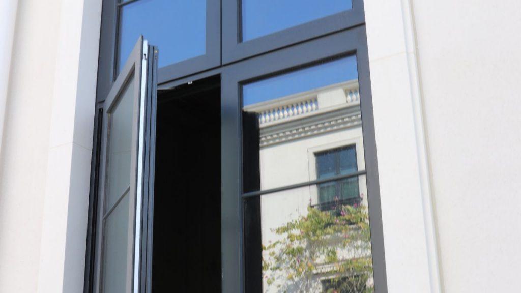 Aliplast-Swing-door-Fan-Kam-Road-JS-aluminium-window