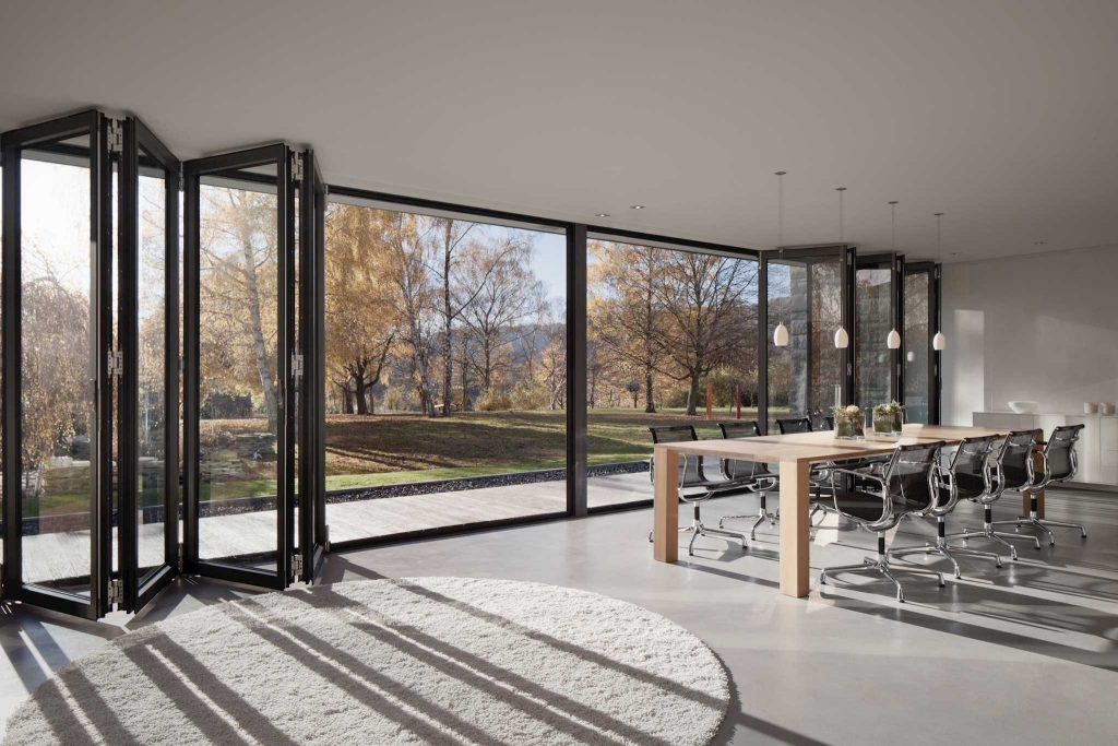 JS - Aluminium Windows in Hong Kong 香港優質鋁窗公司 - Solarlux - Bi-folding door 折疊式或滑動式玻璃門窗