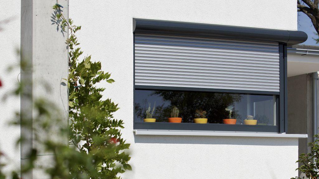 JS-window-防風捲閘-1-Alulux